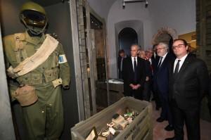 Francois-Hollande-visite-Memorial-Debarquement-Liberation-Provence-Mont-Faron-Toulon-16-2017_0_728_485[1]