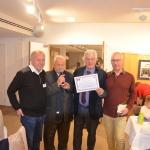 remise du diplôme d'honneur de l'association  a Mr le maire par Louis Fiori
