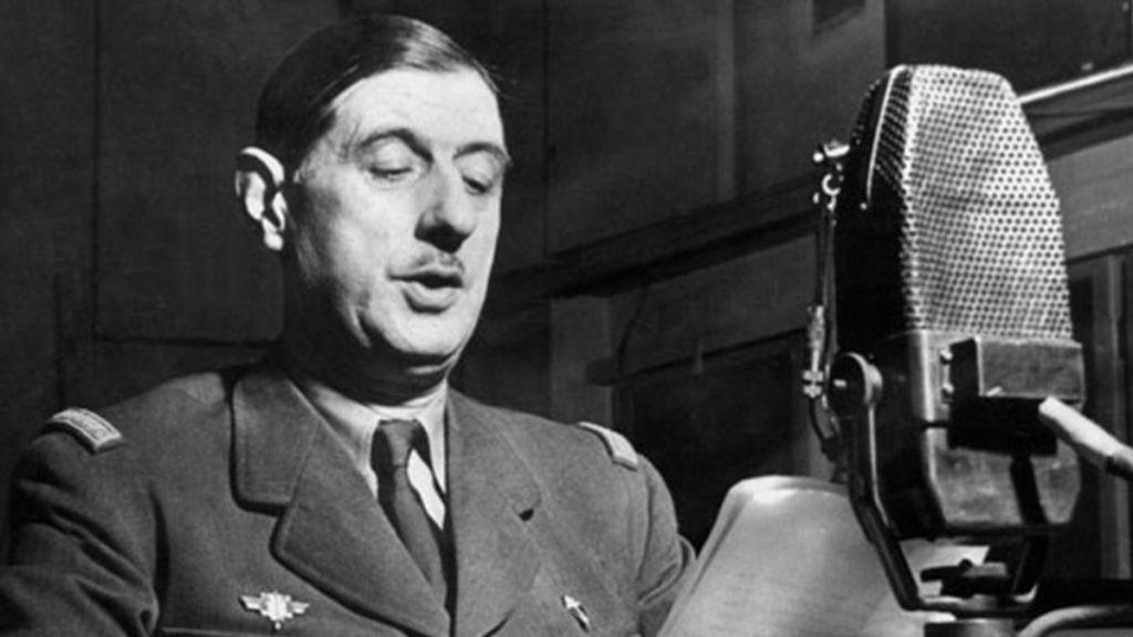 le_18_juin_1940_charles_de_gaulle_appelle_depuis_londres_les_francais_a_la_resistance_contre_lenvahisseur_allemand_sur_la_bbc-3716037-4223127