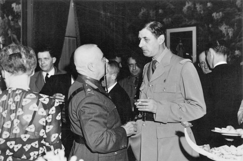 Eugène_Fiset,_Charles_de_Gaulle,_Québec,_1944